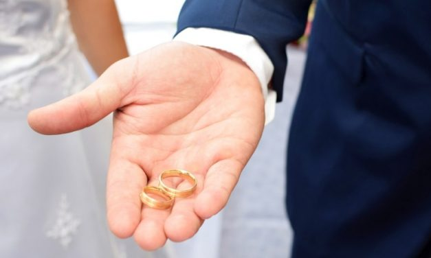 Divorce Rates Are Falling, but Put a Hold on the Celebration